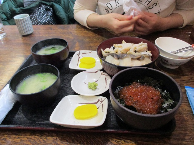 磯丼とイクラ丼