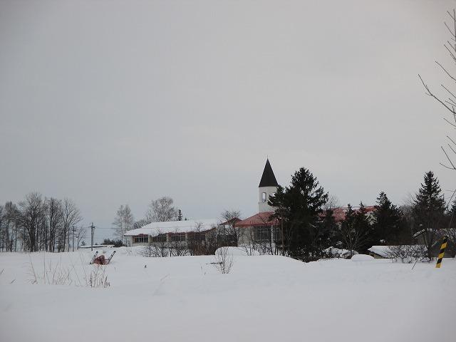 美馬牛小学校のとんがり屋根