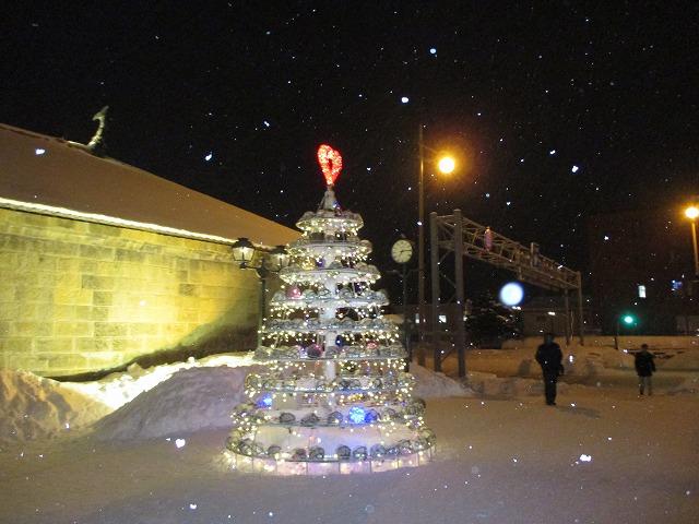 白いクリスマスツリー