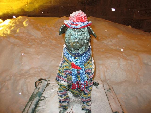 消防犬ぶん公の銅像
