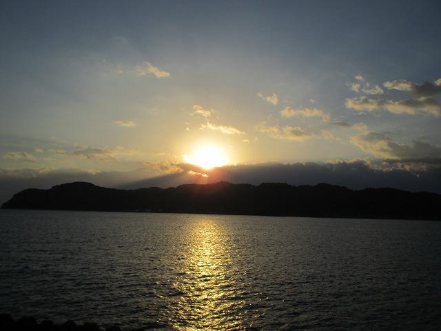 海に映る太陽