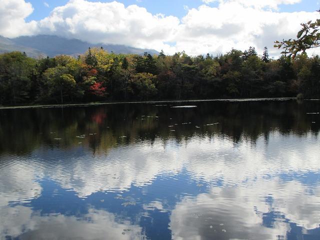 湖面に映る雲