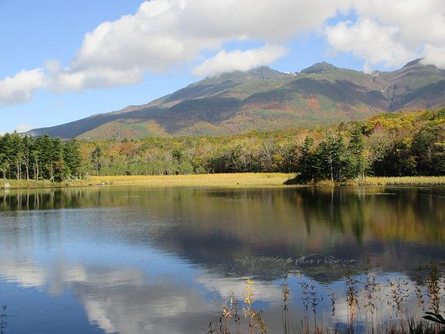 二湖と美しい山並み