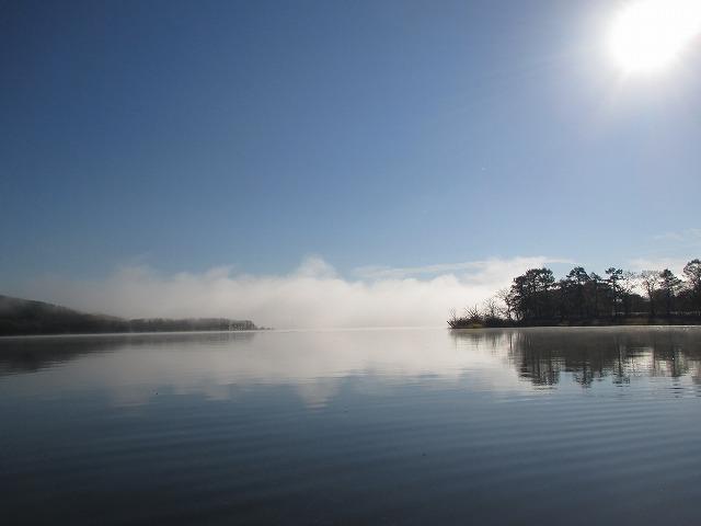 塘路湖と太陽