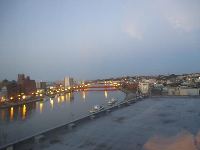 夕方の釧路川