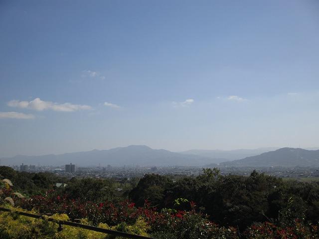 青空と山並み