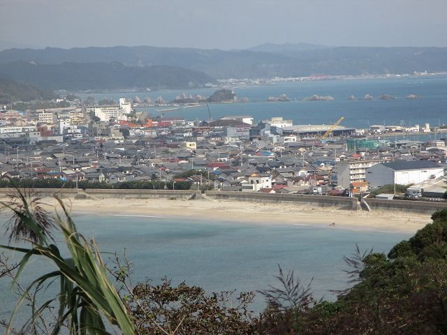 高台から見る串本の町