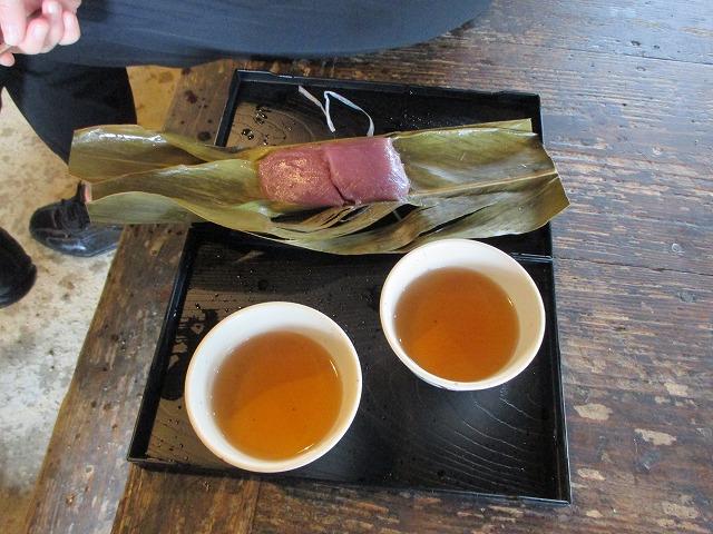 ムーチーとお茶