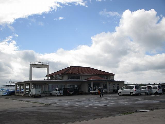 港の建物外観