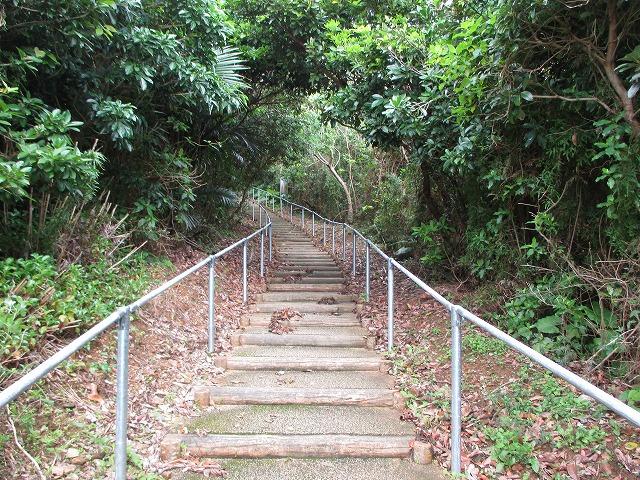 大岳頂上への階段