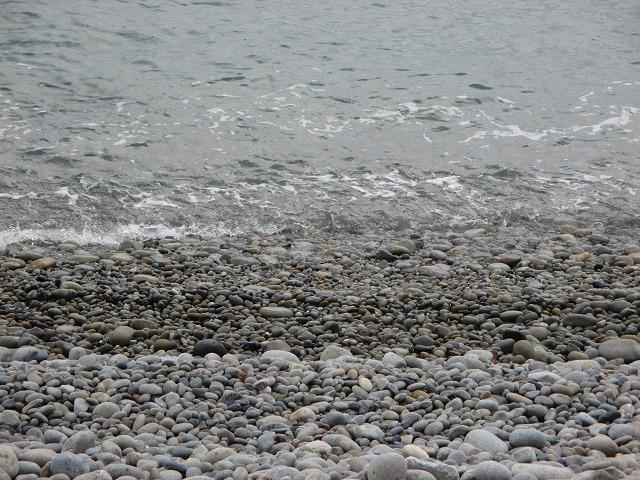 ホノホシ海岸の波打ち際