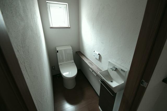 窓があるトイレ