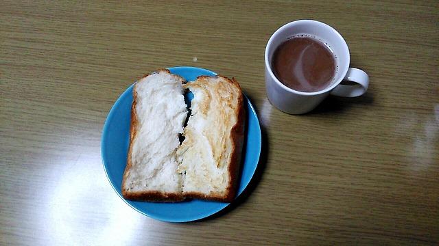 業務スーパー天然酵母食パンとコーヒー