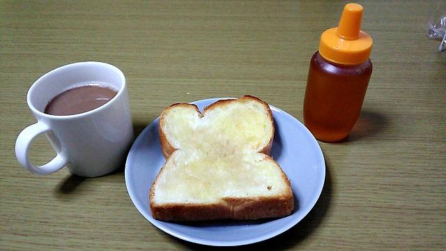 業務スーパー天然酵母食パンとコーヒーとはちみつ