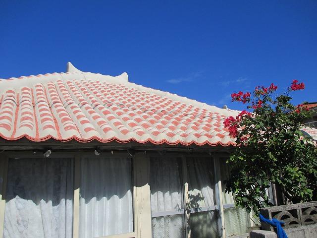 石垣島の赤瓦屋根