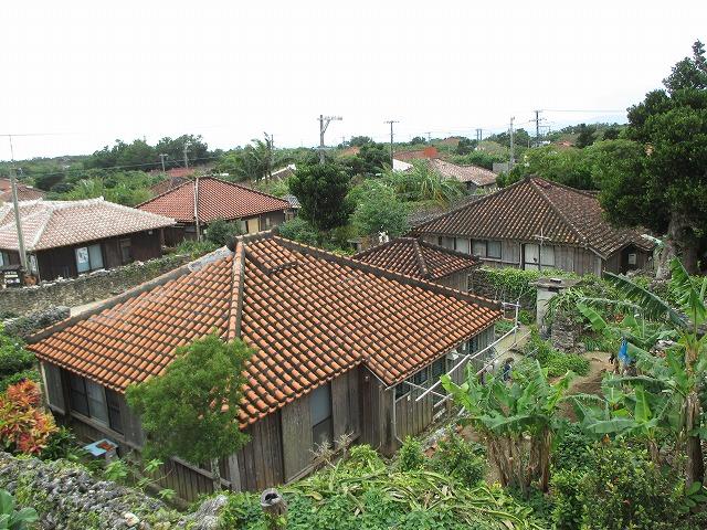 竹富島の赤瓦