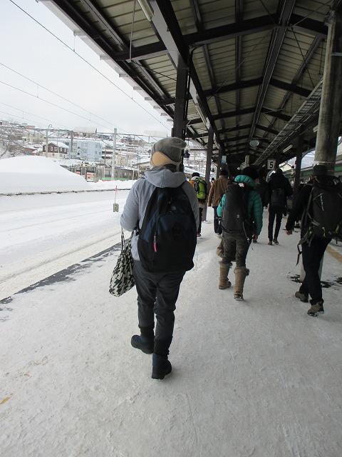 冬の小樽駅ホーム