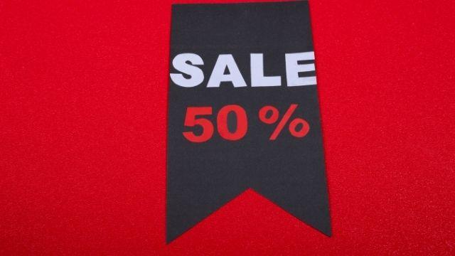50%セールの旗